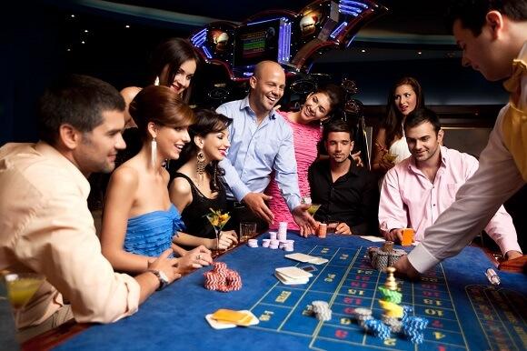 Hvordan bliver man casino dealer